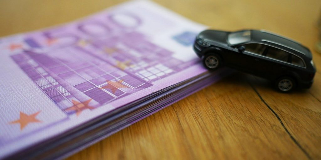 Firma care cumpara auto în zona Zărnești